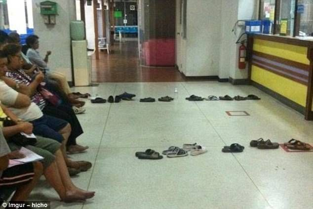 Are you sitting comfortably? An admirable queuing hack which requires everyone to play by the rules