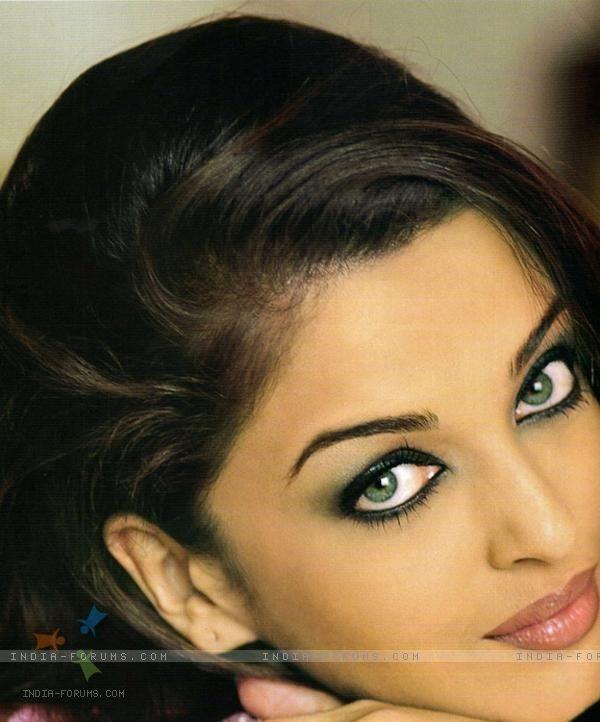 stunning eye makeup, aishwarya rai (bollywood actress)