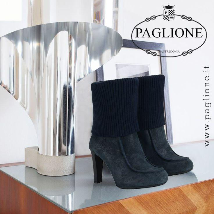 #Stivali #donna #Hogan in #camoscio con #gambale risvoltato in #maglia di #lana, #eleganti e #raffinati!!! Scopri tutte le #collezioni in #Saldo #online #Shoes #Boutique #Abbigliamento #Chic #Moda #Accessori