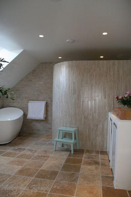 Hej Ni Rara!   Här kommer en hel drös med massor av vackra badrums bilder!     Se och njut!     Tyvärr så har jag inga källor men nå...