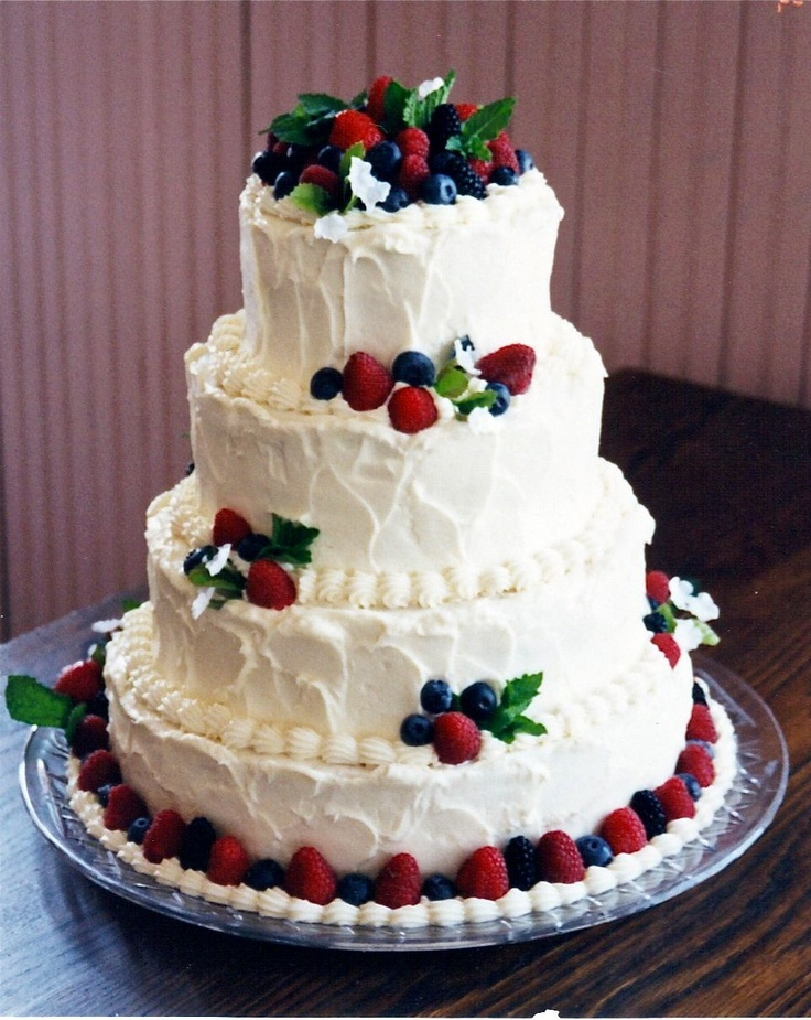wedding cakes decorated with berries 17 best images about berry cake on chocolate 24155