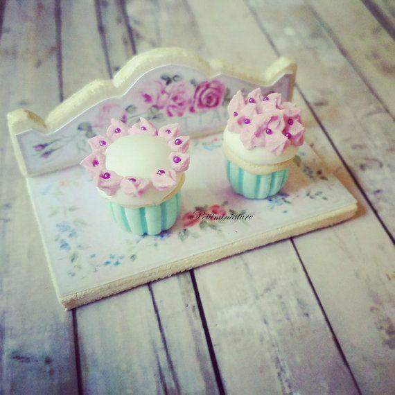 DUE cupcake tiffany blu crema al burro CON VASSOIO 1/12 scala dollhuse miniature