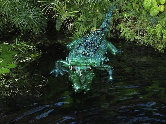 Plastic bottle art by Veronica Richterovà - Crocodile made from plastic bottles!! Wow