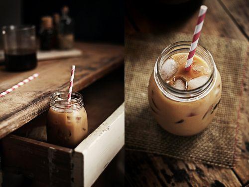 Iced coffee: Vanilla Coffee, Cupcake, Coffee Recipe, Food Photography, Iced Coffee, Mason Jars, Drinks, Coffee Shop