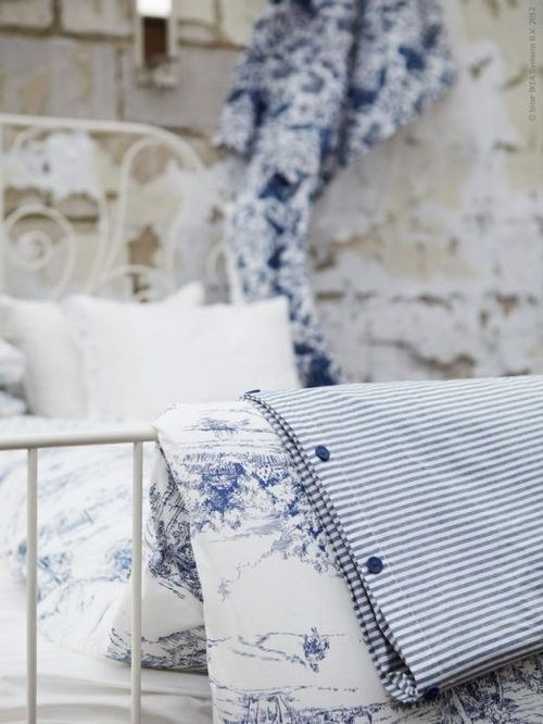 beautifully french, love the toile de jouy