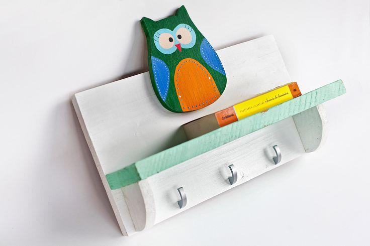 Book shelf.  Idea, handpainted, handmade, wood, wood crafts, reclaimed, diy, decor, diyromania, shabby chic, children.