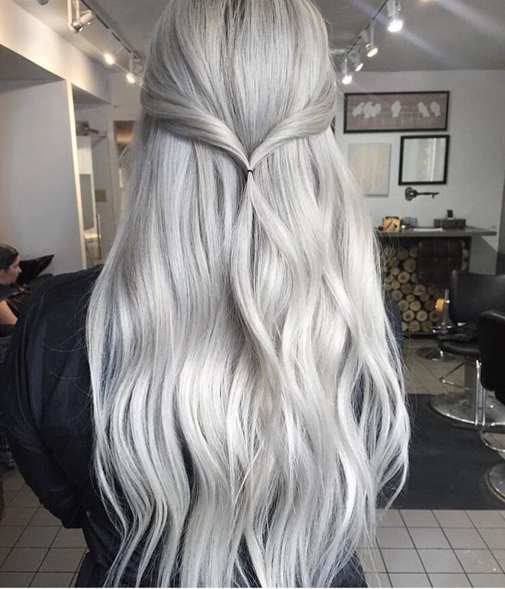 """hairstylesbeauty: """"Vanilla Twist Would you try this?  Hair by @josievilay ⠀ """""""