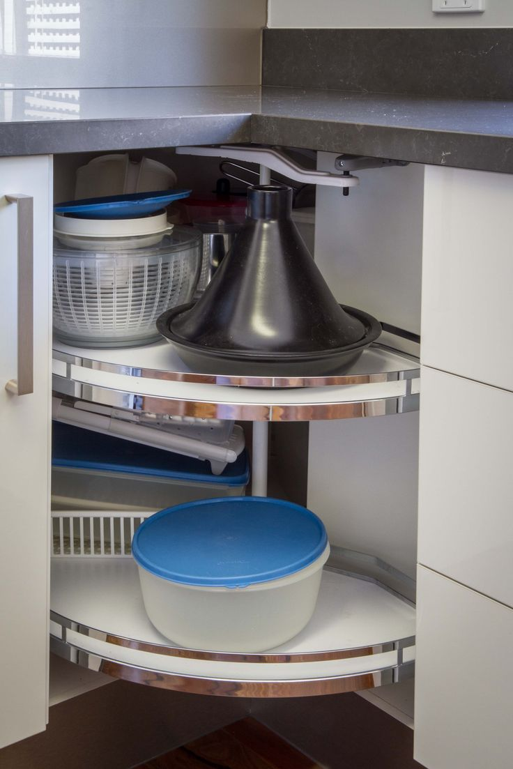 Corner solution. Modern kitchen. www.thekitchendesigncentre.com.au