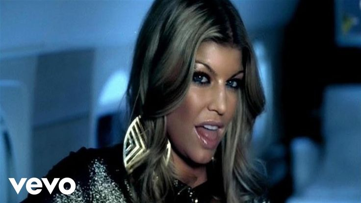 Music video by Fergie performing Glamorous. (C) 2007 will.i.am Music Group/A&M Records