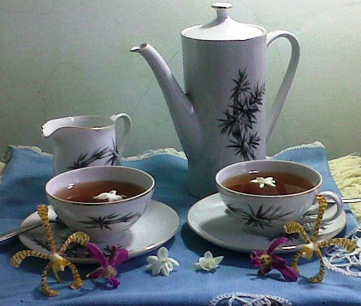 Yuk mengenal teh dengan lebih dekat http://aneka-resep-masakan-online.blogspot.co.id/2015/11/mengenal-teh-lebih-dekat-dan-cara.html