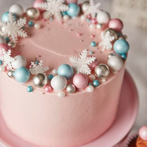 Pink prosecco cake - Christmas Cakes – Gorgeous Winter Cakes
