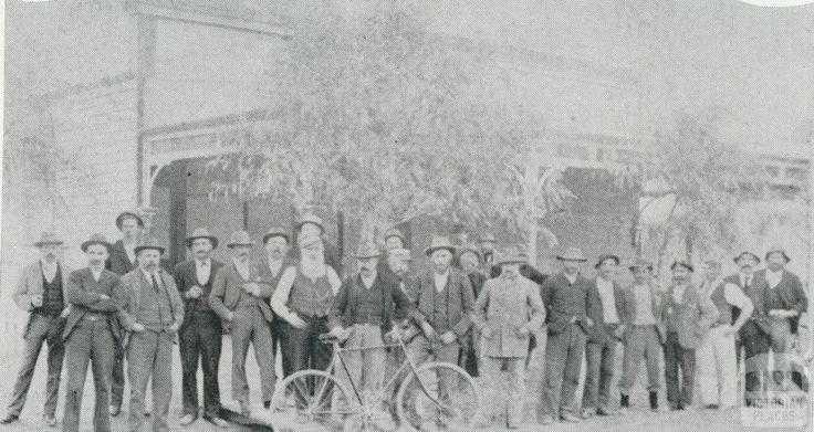 Original Working Man's Club (1895), Madden Avenue