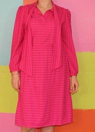 À vendre sur #vintedfrance ! http://www.vinted.fr/mode-femmes/robes-midi/28289852-robe-droite-rayure-rose-fushia-pailllette-t40-42-vintage-demi-saison-annee80retrochic