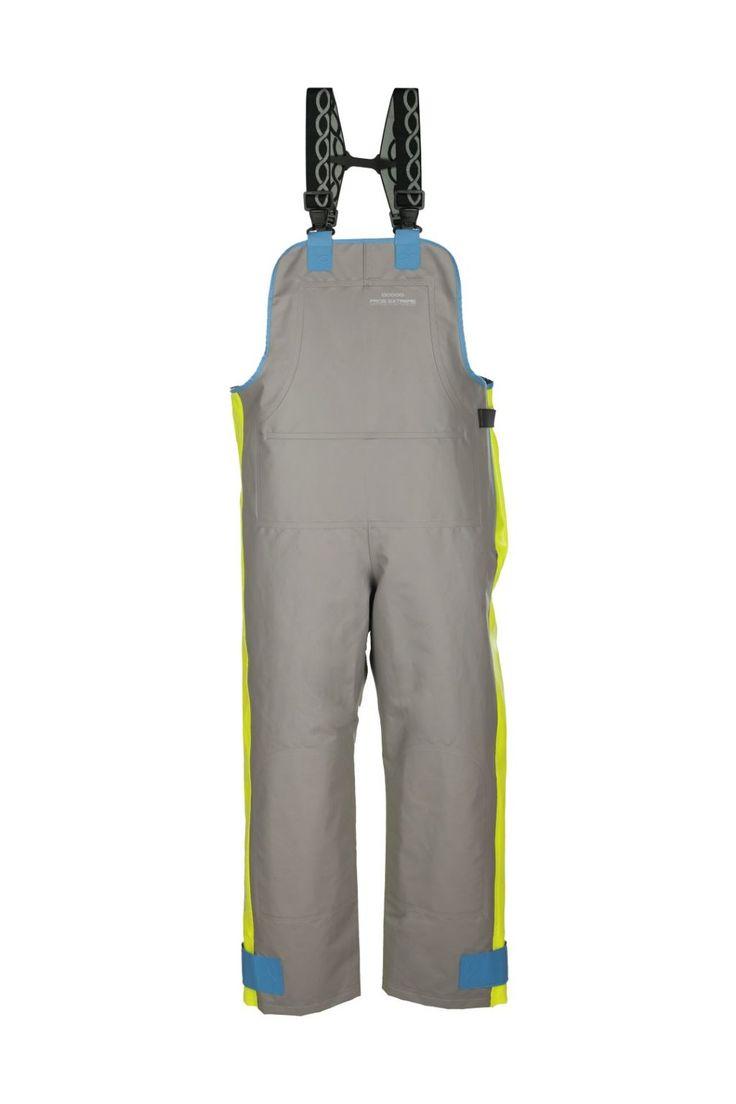 SPODNIE OGRODNICZKI WODOOCHRONNE model: 003  Spodnie ogrodniczki produkowane z dwóch rodzajów tkanin. Miejsca najbardziej narażone na uszkodzenia mechaniczne wykonane są z tkaniny Seal Skin, a dla zwiększenia komfortu użytkowania  zastosowano tkaninę Opalo. Produkt charakteryzuje się wysoką odpornością na słoną wodę dlatego szczególnie dedykowany jest pracownikom wykonującym ciężkie prace rybackie w ekstremalnie trudnych warunkach na morzu, zapewniając ochronę przed silnym wiatrem i…