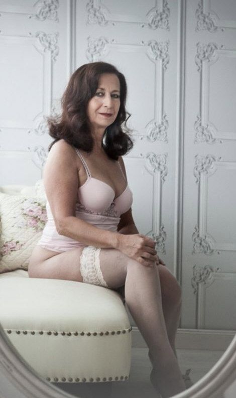 506 Best Beautiful Mature Women Images On Pinterest