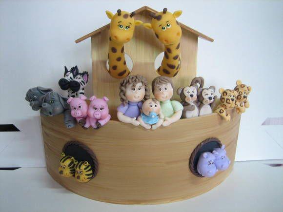 enfeite de porta maternidade arca de noé (a pronta entrega). A placa de nome será colocada entre os tigres e os hipopótamos (espaço livre na frente da arca). É um enfeite unissex peça única. R$ 189,00