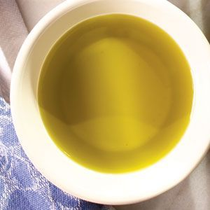 20 Anti-Aging Foods ~ e.g. salmon* green tea* spinach ... #healthy #longevity