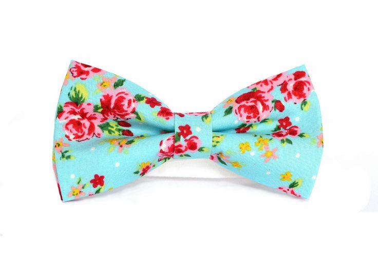 Unikatowa, gotowa mucha męska w kwiaty.   Do kupienia w ślubnym sklepie internetowym Madame Allure!