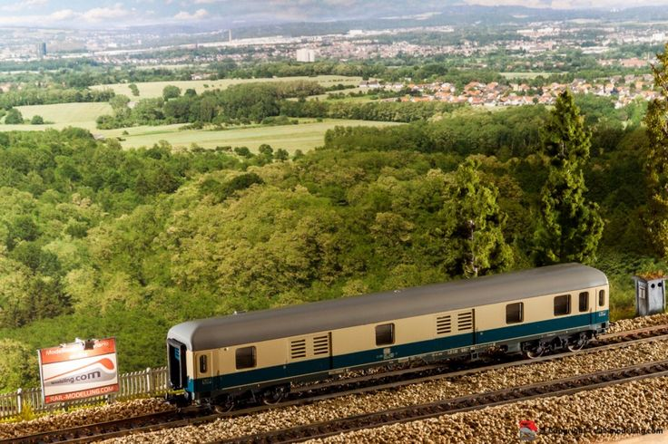 LIMA 309337 - H0 1:87 - Carrozza  bagagli modello düms 902 delle ferrovie tedesche DB con confezione