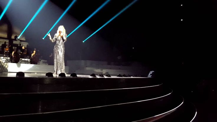 Celine Dion - Hello (Adele Cover) LIVE - New Year's Surprise - Dec 31st 2015 - YouTube