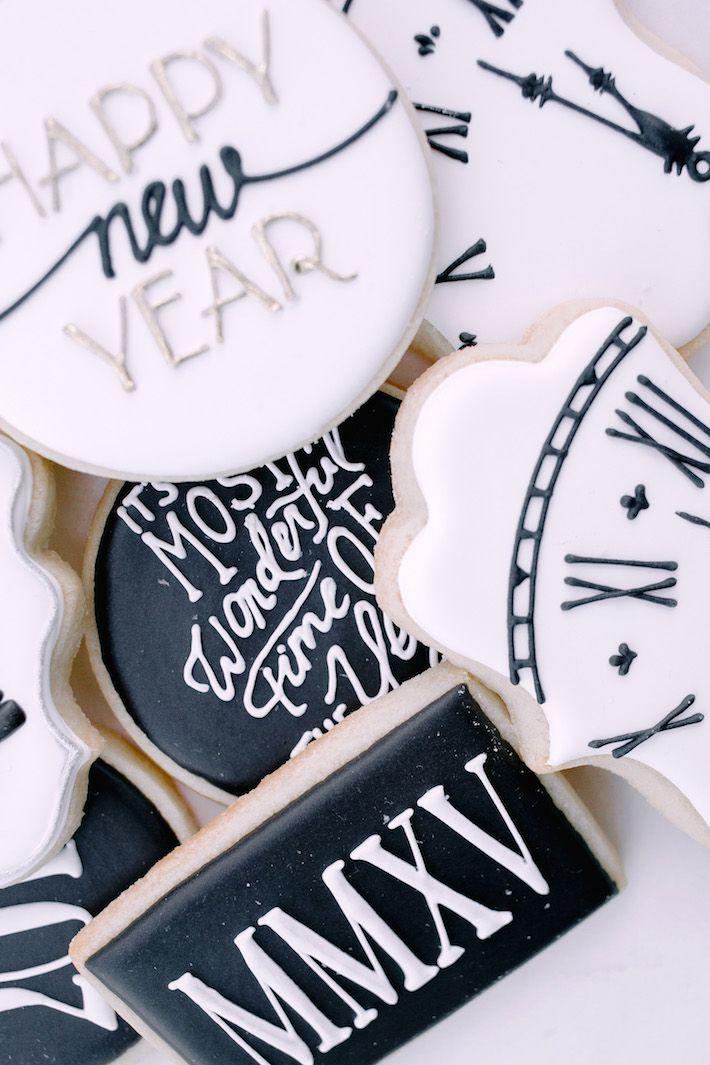 New Year's Eve Sugar Cookies   NYE 2015   http://monikahibbs.com