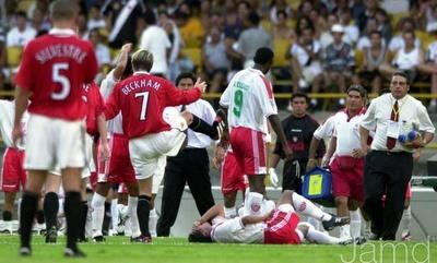 Partidos Historicos: Mundial de Clubes 2000 | MANCHESTER UNITED 1-1 NECAXA... La expulsion de David Beckam tras la entrada sobre Jose Milian