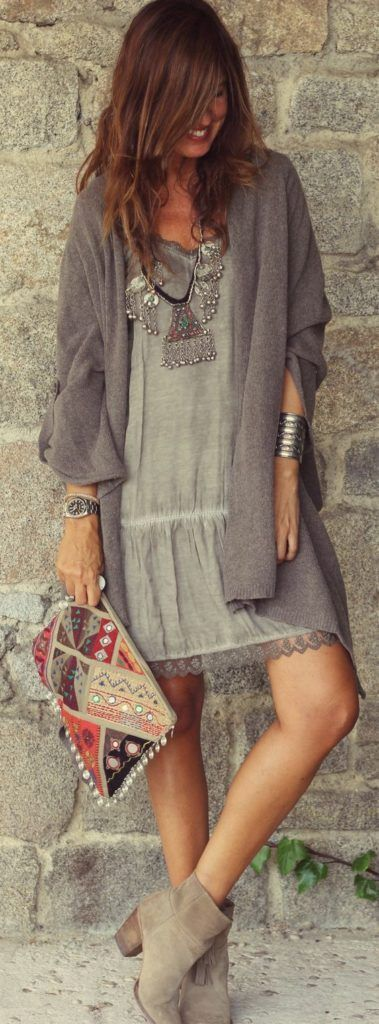 35 Adorable Bohemian Fashion Styles For Fall  Great outfit - from the style to the colors. The accessories are nice as well.