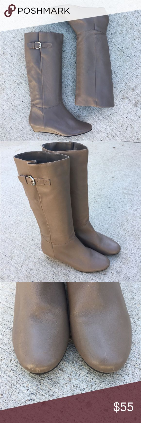 STEVE MADDEN Intyce Grey Taupe Boots 8 Excellent used condition! Some scratches but as you can see from the soles they have barely been worn! Tons of life left! Great addition to your fall wardrobe! Steve Madden Shoes Heeled Boots