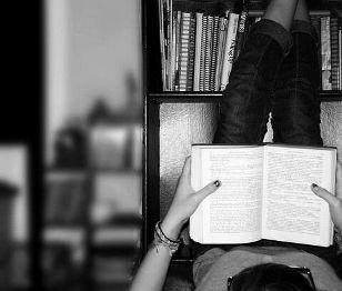 Big Decisions #26 Λογοτεχνικές αποφάσεις: Θα διαβάζω μισή ώρα κάθε βράδυ...Πότε ήταν η τελευταία φορά που διαβάσατε ένα βιβλίο; (http://gynaikaeveryday.gr/?page=calendar&day=2015-03-16)
