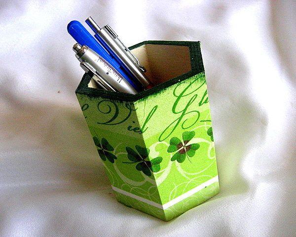 Suport lemn model trifoi 4 foi, suport markere, stilouri, creioane, pixuri - suporturi accesorii birou