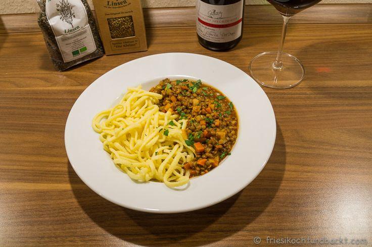 Vegetarische Saure Linsen mit Spätzle http://friesikochtundbackt.com/2015/01/19/vegetarische-saure-linsen-mit-alb-leisa-linsen/