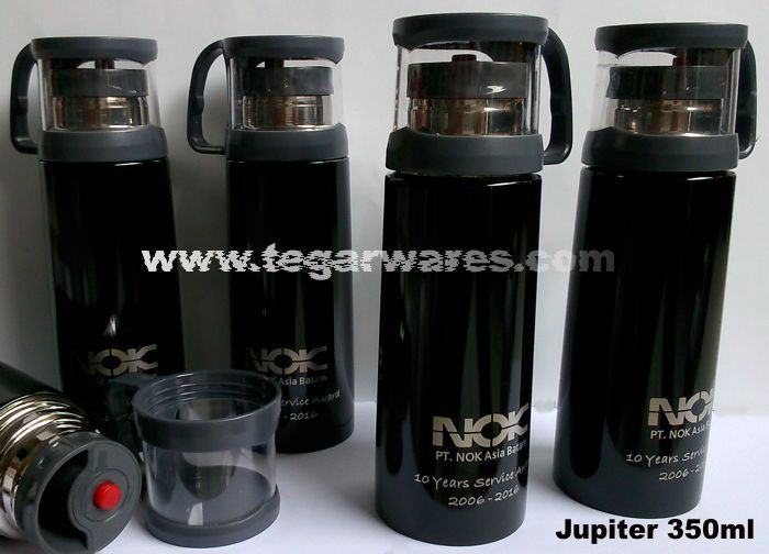 Commemorating the 10th anniversary of PT  NOK Asia Batam routine held an award given to the best employees who have been dedicated. Surely award prizes that are things that could support the work activities of the employees. As shown above, the black Jupiter 350ml ordered by NOK Asia Batam, Batam Kepulauan Riau, Indonesia with company branding logo and text 10 Years Service Award 2006-2016