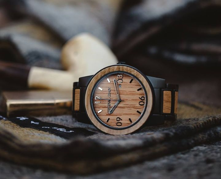 perfect accessory Fall, Whiskey Barrel Black will sure give bold look. 👊 https://originalgrain.eu/collections/all-watches
