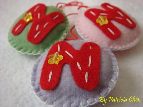 Craft: Chaveiro de feltro personalizado. Com a letra inicial do nome, para a Chegada do bebê. Consulte-nos!