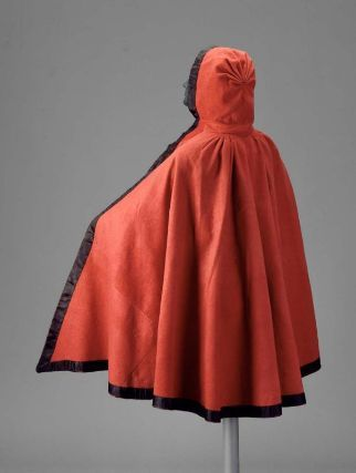 Woman's hooded cloak        Woman's riding hood        American, last quarter of the 18th century         Lexington, Massachusetts, United States  Place of Manufacture      England (textile)  Place of Manufacture      Massachusetts, United States  Dimensions      Overall: 115.6 x 248.9 cm (45 1/2 x 98 in.)  Medium or Technique      Plain weave wool (broadcloth), plain weave silk trim and facing  Classification      Costumes     Accession Number      99.664.16