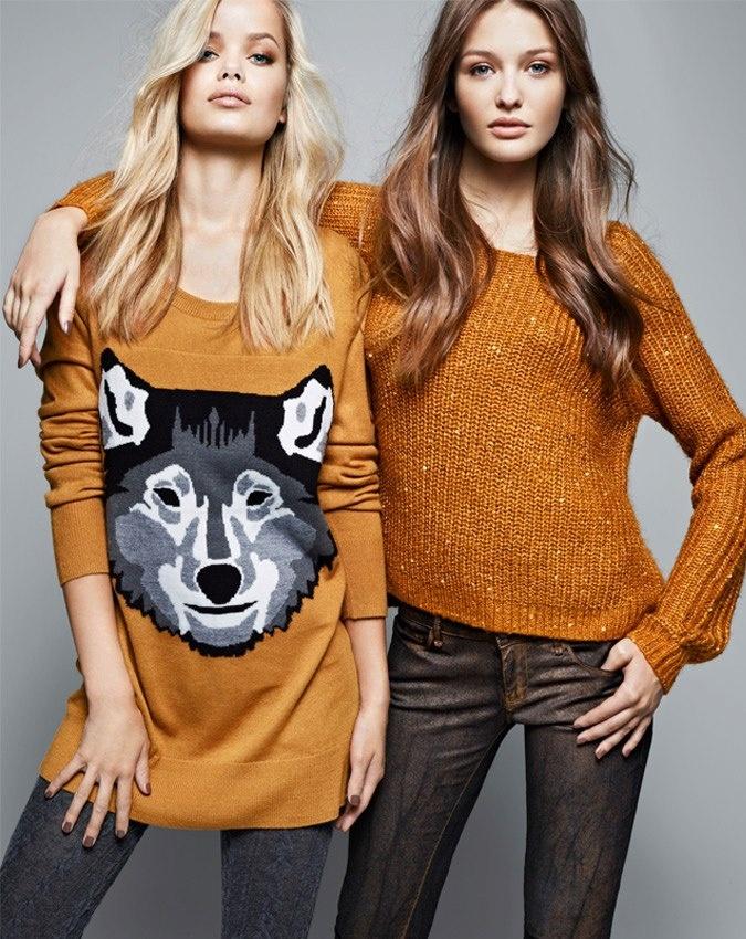 Wolf sweater, yes. Mustard yellow, obvi.