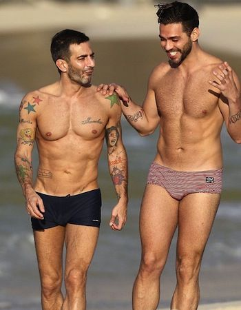 Marc Jacobs....can i just get it out of the way: HOLY CRAP, his body!!!!!