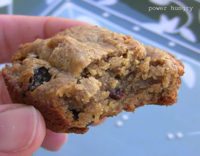 Crispy, Nutty, Chewy 100% Flax Breakfast Cookies ⅔ cup ground flax seeds (flaxseed meal) ½ cup unsweetened natural almond or peanut butter ⅓ cup pure maple syrup, agave nectar, liquid honey ⅓ cup plain almond milk (or plain nondairy or dairy milk of choice) 1 teaspoon vanilla extract 1 teaspoon ground cinnamon ⅔ cup raisins
