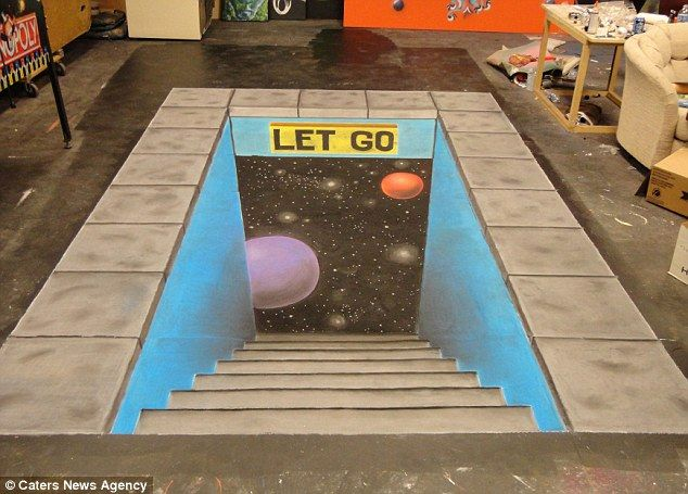 Chalk artist creates amazing 3D images of 80s computer game classics on walls and pavements