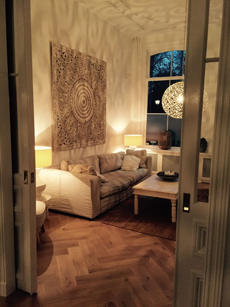18 best SIMPLY PURE Houtsnijwerk / Houten wandpanelen in woonkamer ...