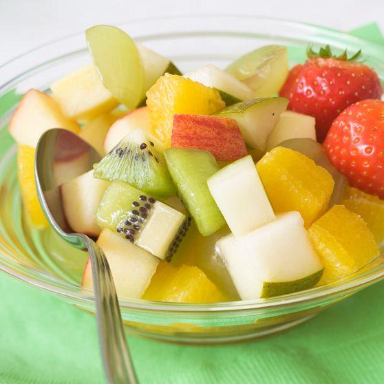 Fruktsalat - http://www.dansukker.no/no/oppskrifter/fruktsalat-child.aspx #oppskrift #frukt #barneselskap