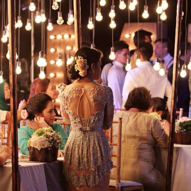#weddingreception #wedding #backdetails #verakebaya Kebaya Resepsi Verakebaya
