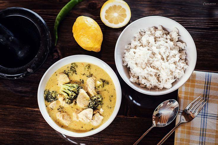 Leckeres, grünes Curry aus Hühnchen,Brokkoli und Basmati Reis. Einfach und gesund. Tolles Rezept für die ganze Familie. Uncle Bens Reis, Wech Hühnchen. Geflügel Curry, Hendl Curry, einfaches Curry Rezept, Thai Curry, Rezept für Kinder mit Kokosmilch und Reis