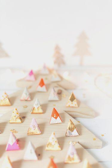 Wooden tree advent calendar - Carnets parisiens