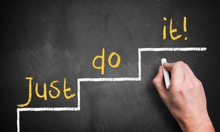 ¿Tienes metas? ¿A corto, mediano y largo plazo? ¿Cómo las lograrás? En este artículoqueremos presentarte cómo la proactividad es un elemento fundamental para la consecuciónde lo que queremos y reflexionaremos cómo las personas con comportamiento proactivologran el éxito profesional. Para iniciar revisemos qué significa ser proactivo Imagínate a dos personas que trabajan en la misma …