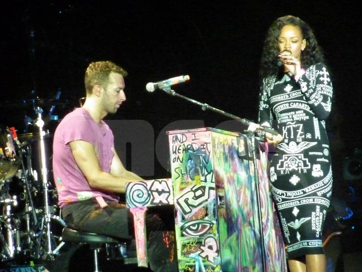 Coldplay and Rihanna (Stade de France, Paris)