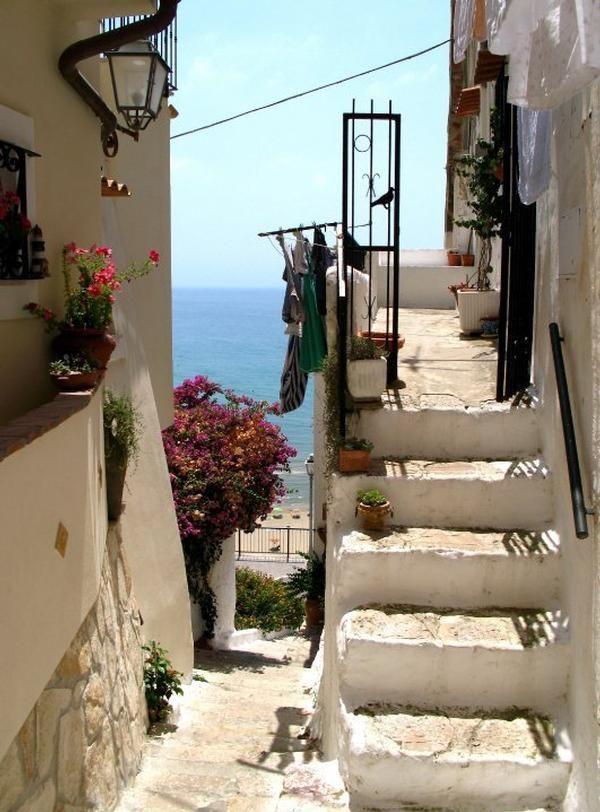 Sperlonga, Latina, Lazio, ITALY - vista sul mare dalle case