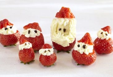 Hvordan lage jordbærnisse – frukt.no #nisse #nisser #strawberry #jul #snacks