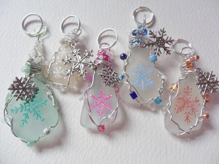 Christmas snowflakes bag charms - Hand painted art on sea glass