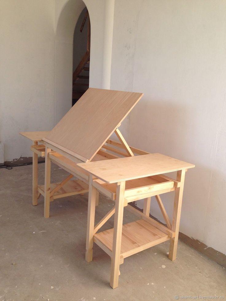 Outros artesanatos são feitos à mão. Mesa de café  – DIY